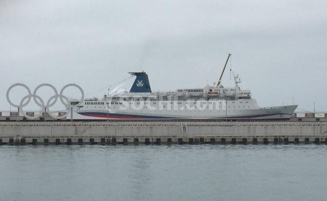 Круизный лайнер «Князь Владимир» перевез изСочи вКрым 5 тыс. туристов