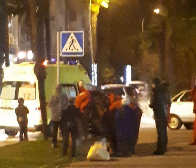 ВКраснодаре камера сняла, как шофёр Лексус сбил ребенка ипоехал дальше