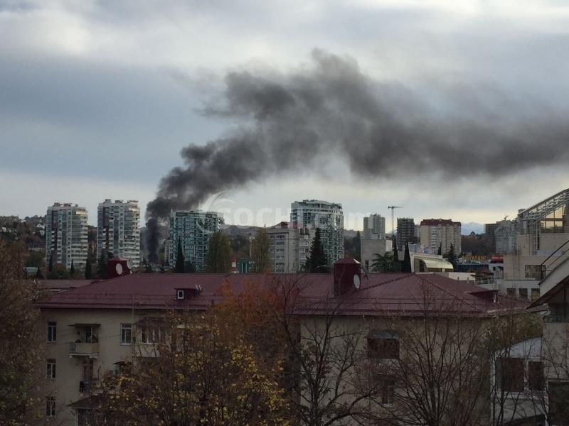 Один человек умер  и17 пострадали впожаре  вцентре Сочи
