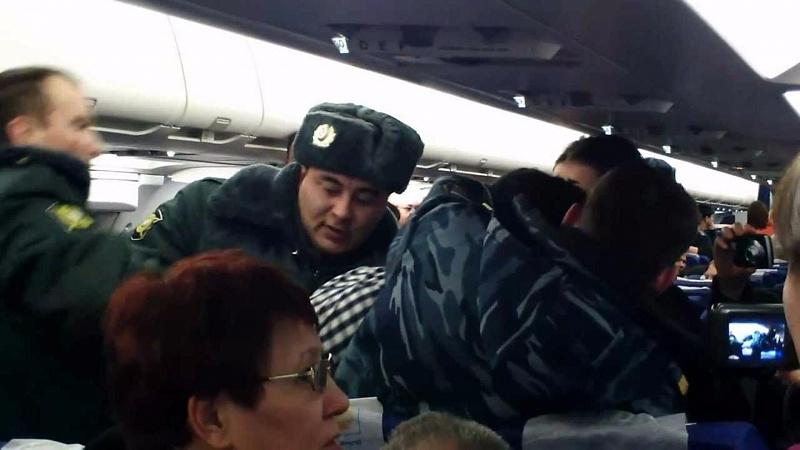 Рейс Москва— Сочи задержали из-за дебоша 2-х пассажиров