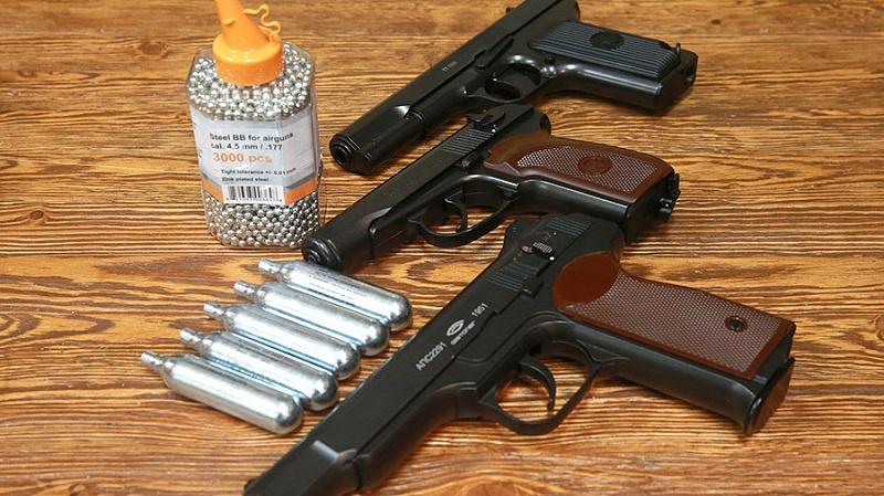 Детские пистолеты предлагают регистрировать вРосгвардии: так спокойнее