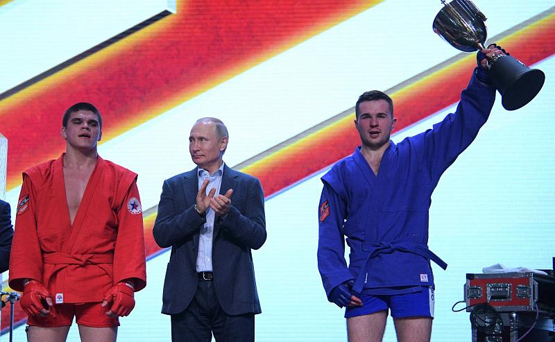 Песков рассказал, каким спортом занимается Путин: «У него ежедневная практика»