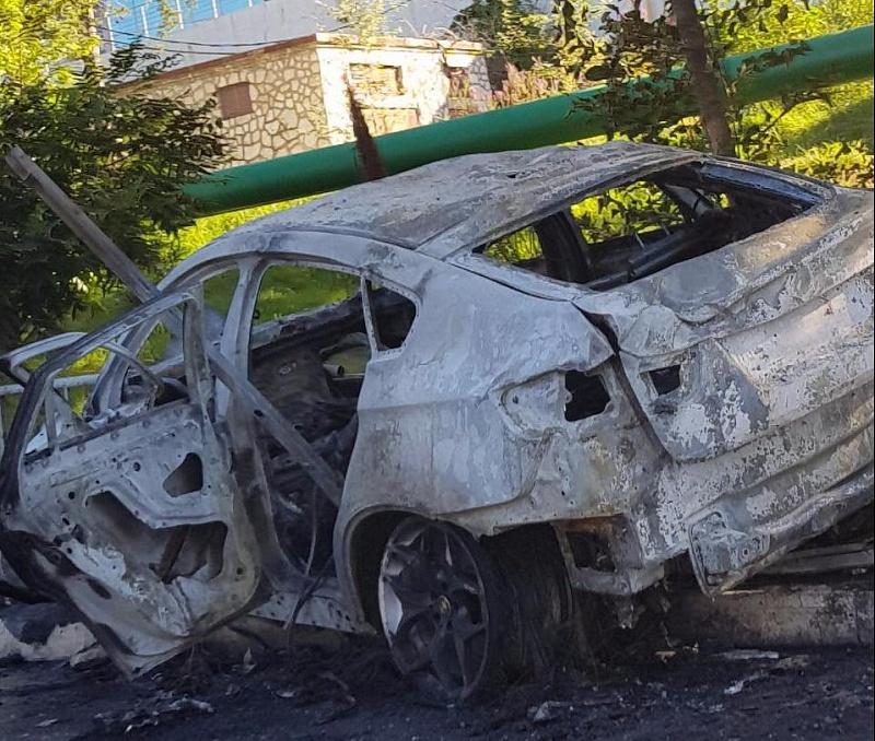 ВСочи в итоге  ДТП сгорел автомобиль