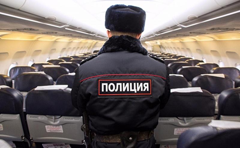 Ваэропорту Сочи ссамолета сняли 2-х нетрезвых дебоширов