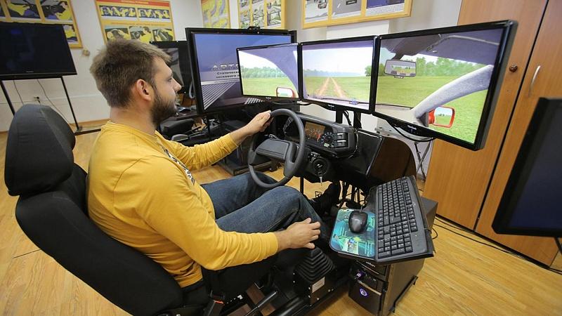Союз автошкол предложил обязать водителей пересдавать теорию при замене прав